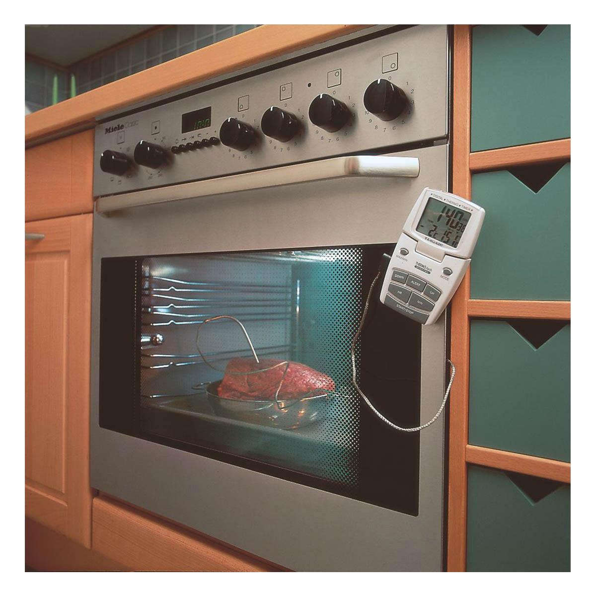 14-1500-digitales-bratenthermometer-anwendung1-1200x1200px.jpg