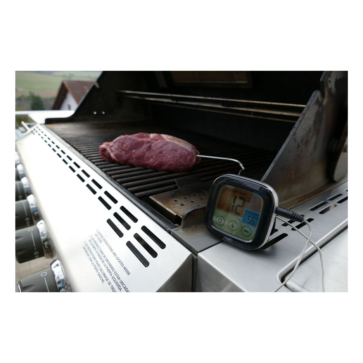 14-1509-01-digitales-grill-bratenthermometer-anwendung1-1200x1200px.jpg