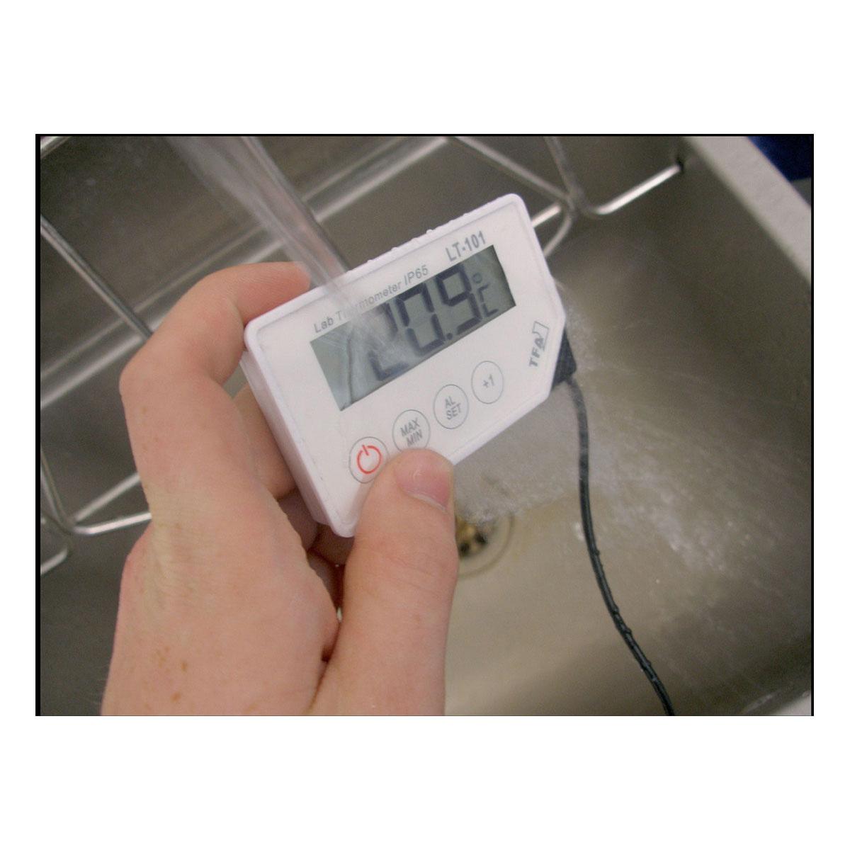 30-1033-profi-digitalthermometer-mit-einstichfühler-lt-101-anwendung-1200x1200px.jpg