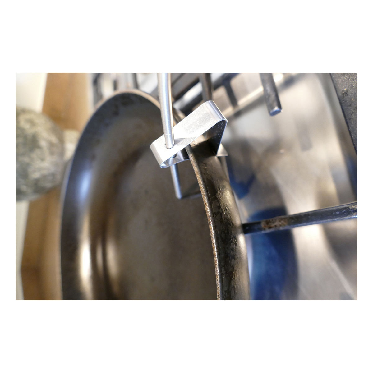 30-3525-60-clips-für-grill-bratenthermometer-anwendung-pfanne1-1200x1200px.jpg