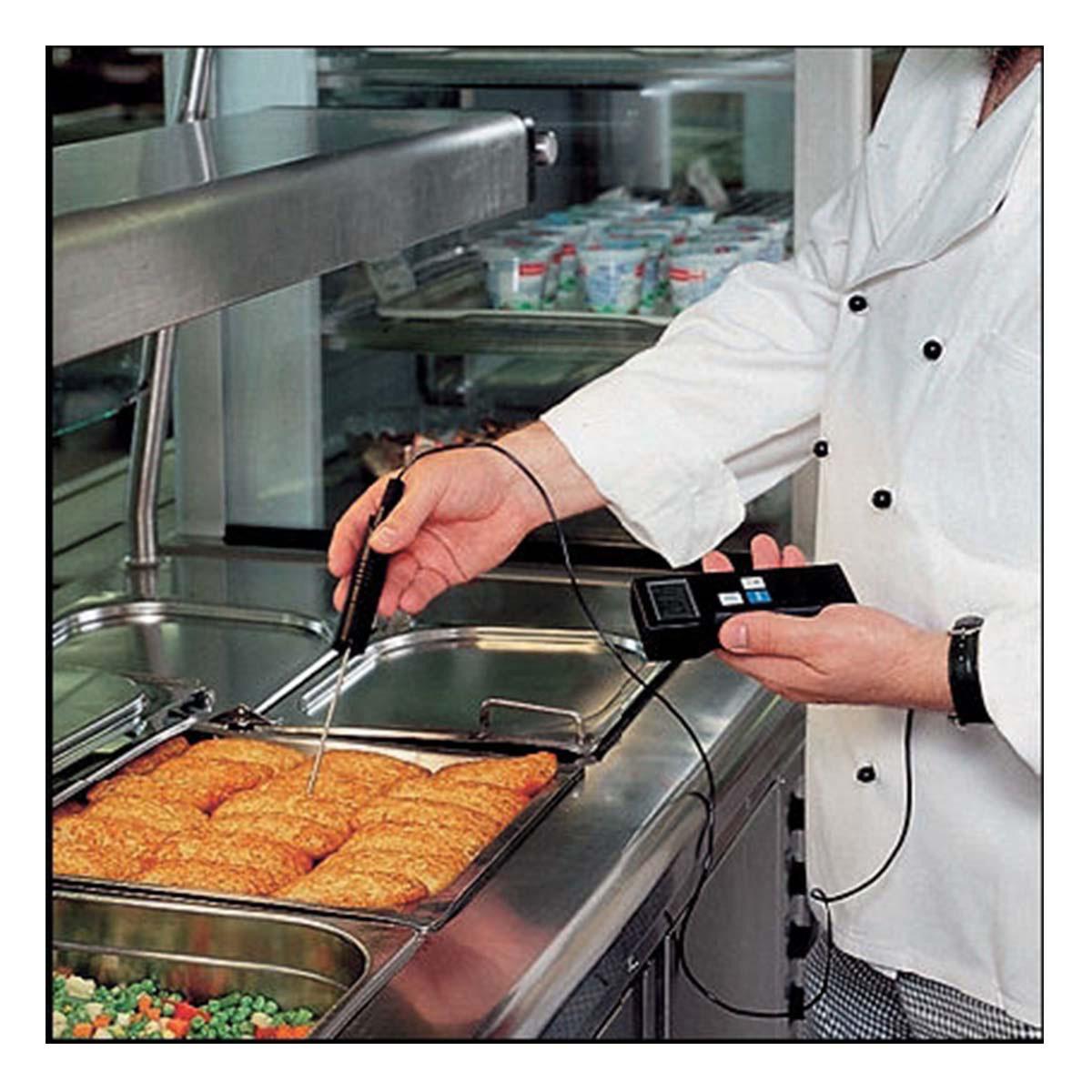 31-1020-k-profi-digitalthermometer-mit-einstichfühler-p300-anwendung2-1200x1200px.jpg