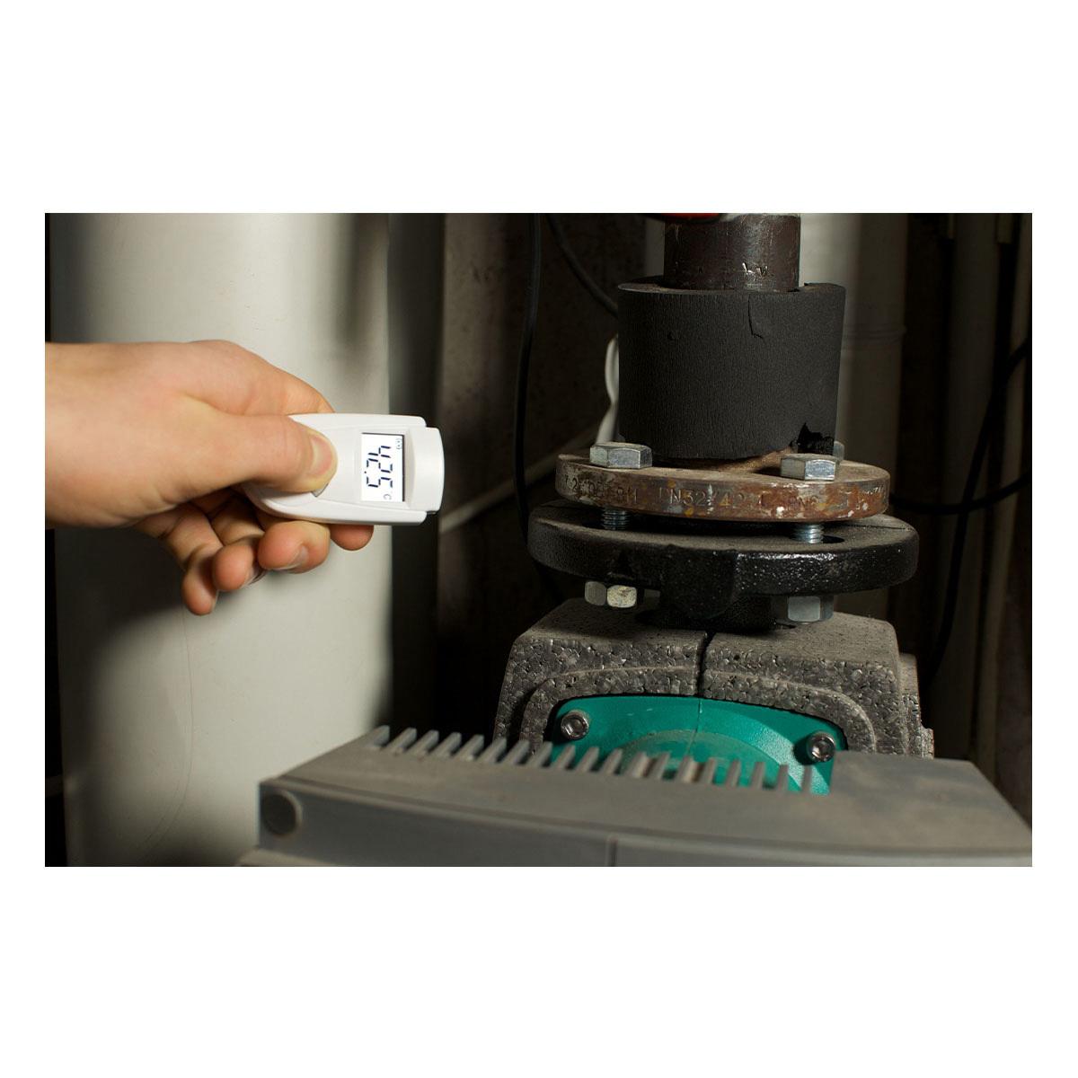 31-1108-infrarot-thermometer-mini-flash-anwendung-1200x1200px.jpg