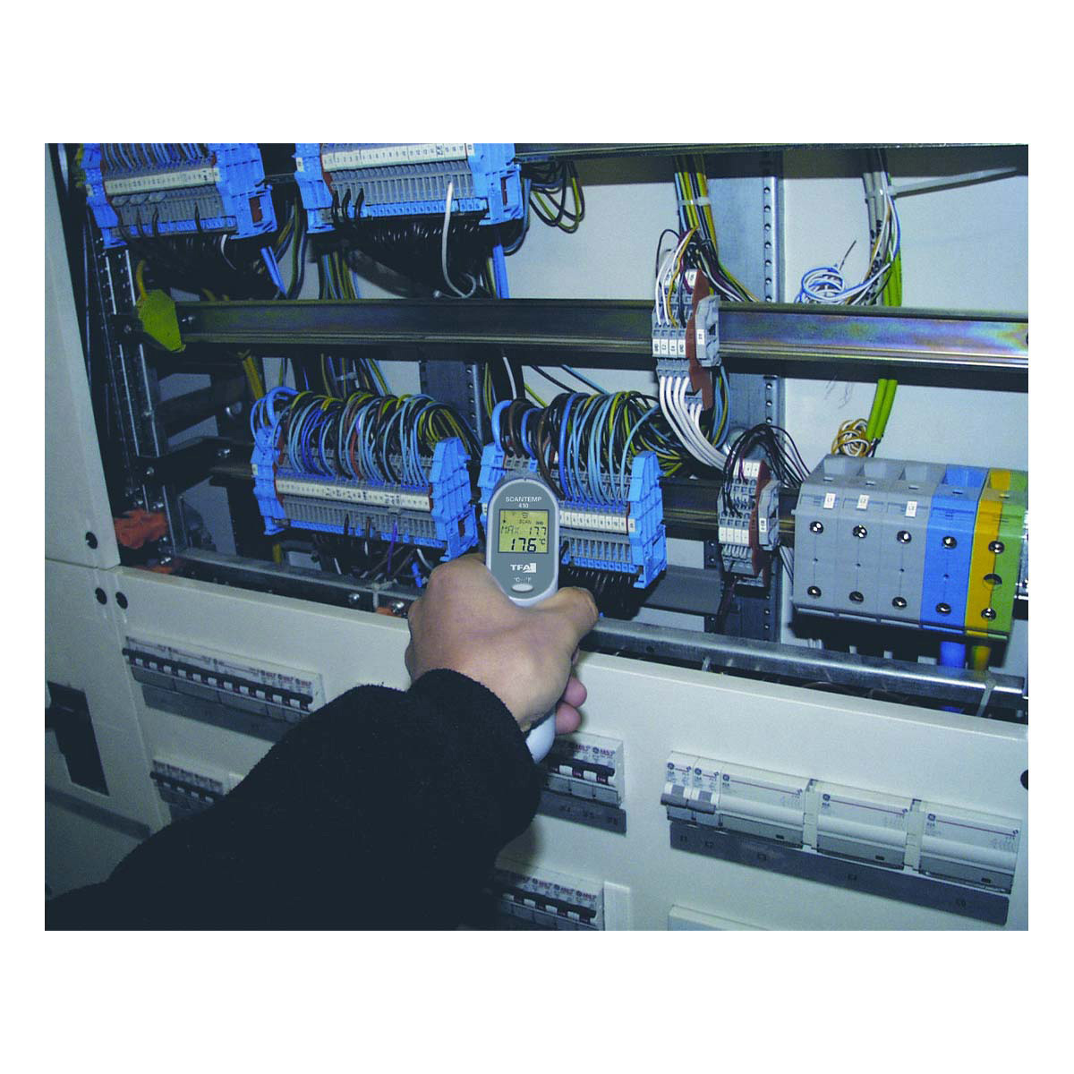 31-1115-infrarot-thermometer-scan-temp-410-anwendung3-1200x1200px.jpg