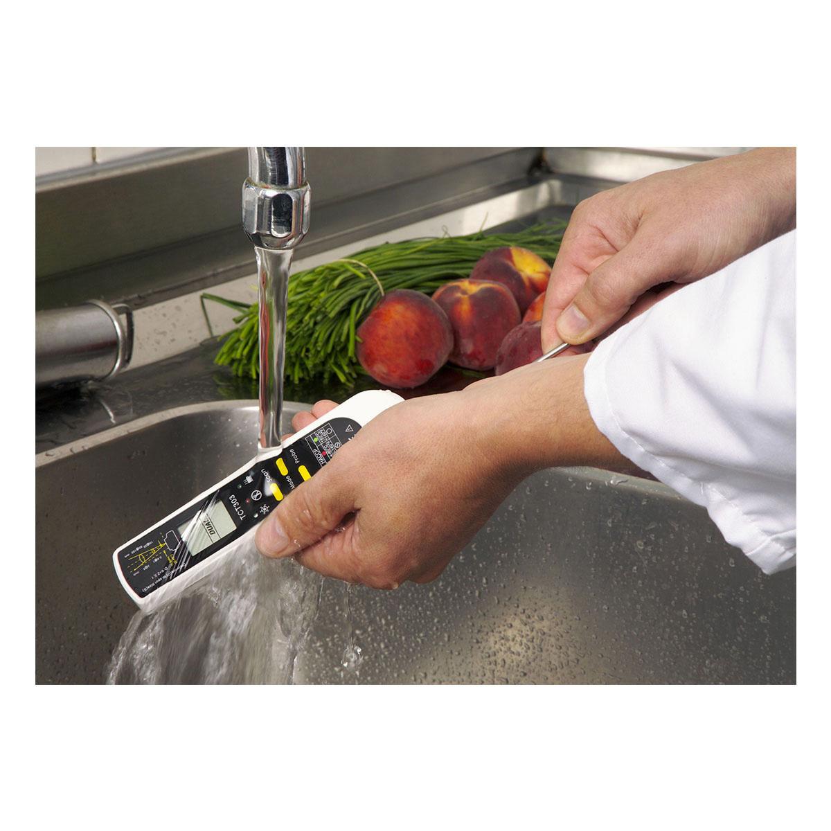 31-1119-k-digitales-einstich-infrarot-thermometer-dualtemp-pro-anwendung-1200x1200px.jpg