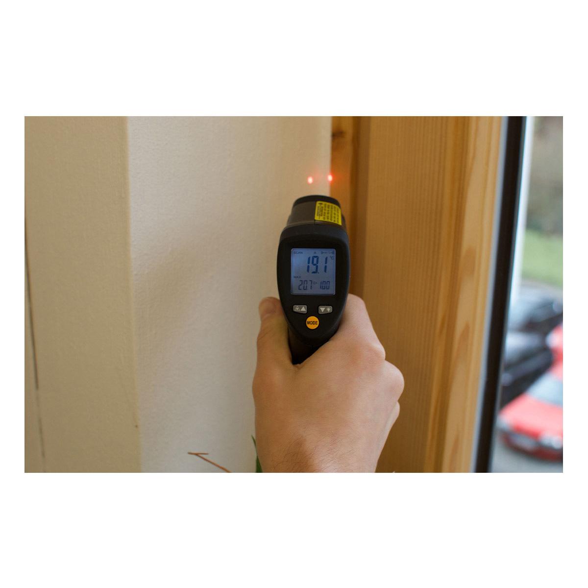 31-1124-infrarot-thermometer-scantemp-485-anwendung4-1200x1200px.jpg