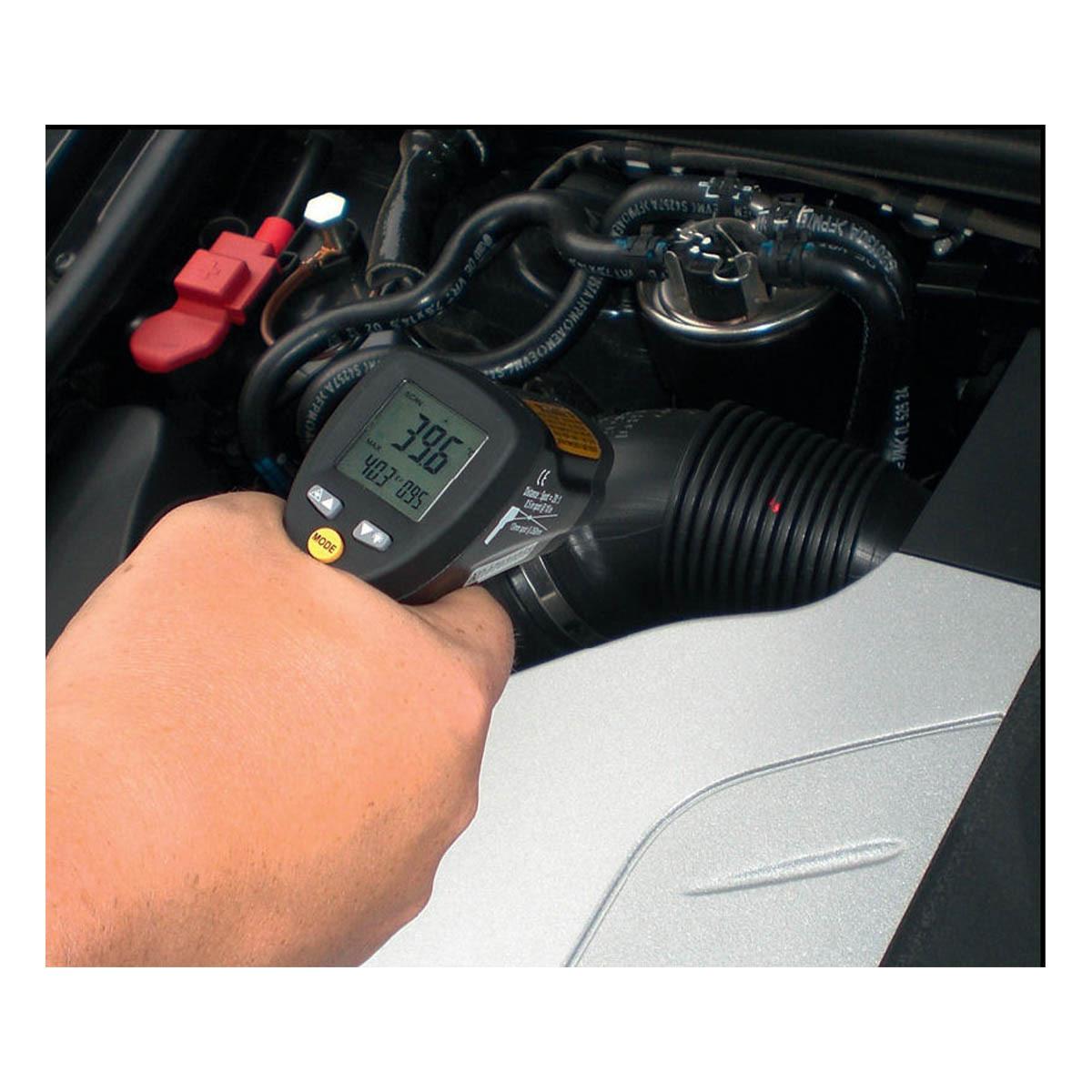 31-1124-infrarot-thermometer-scantemp-485-anwendung6-1200x1200px.jpg