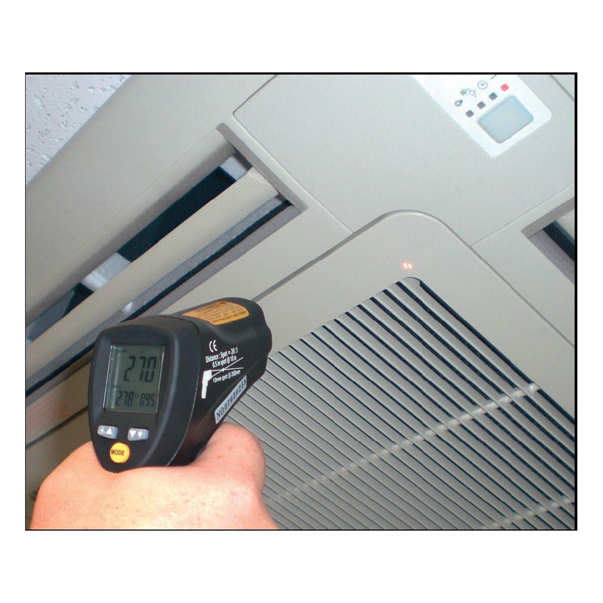 31-1124-infrarot-thermometer-scantemp-485-anwendung7-1200x1200px.jpg