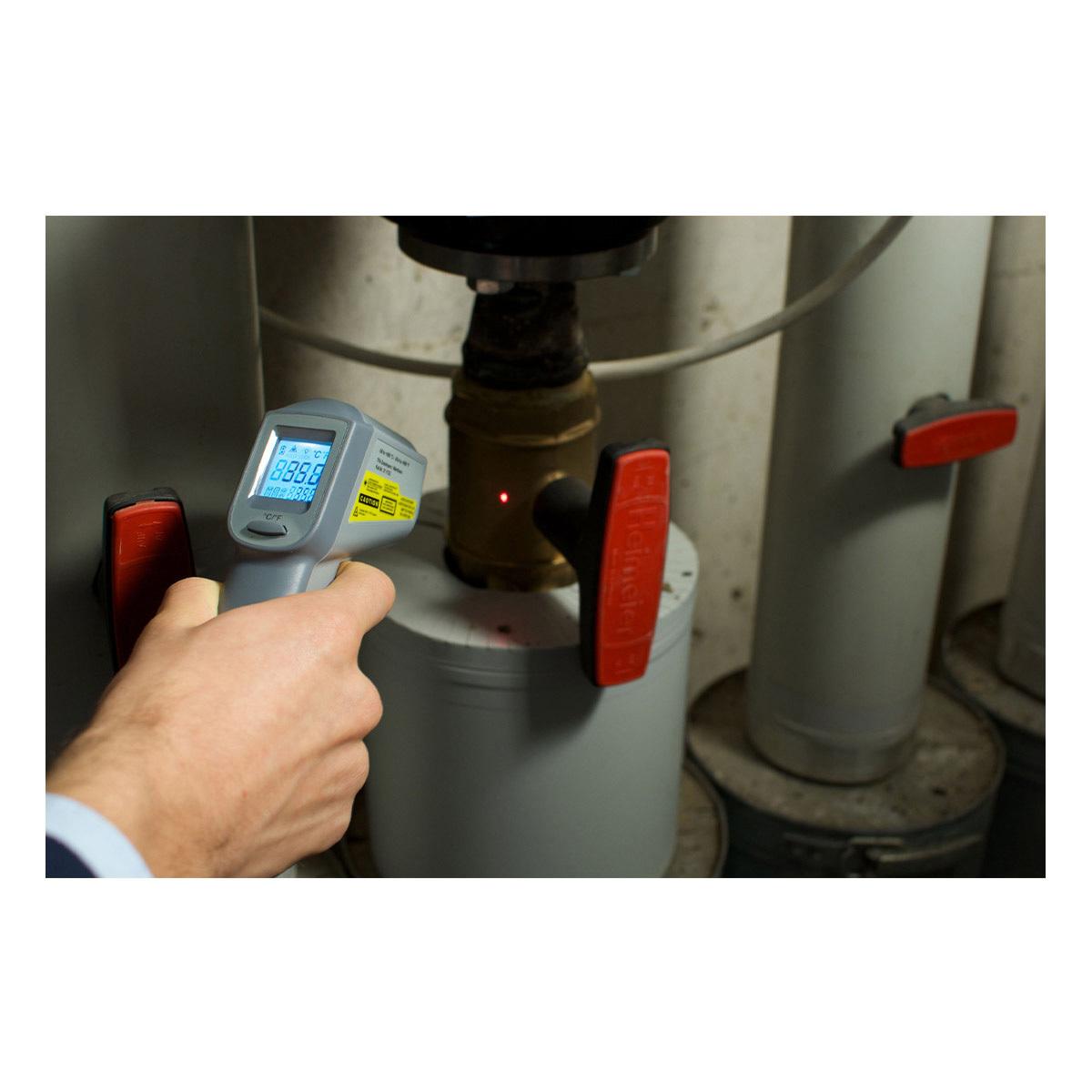 31-1132-infrarot-thermometer-beam-anwendung1-1200x1200px.jpg