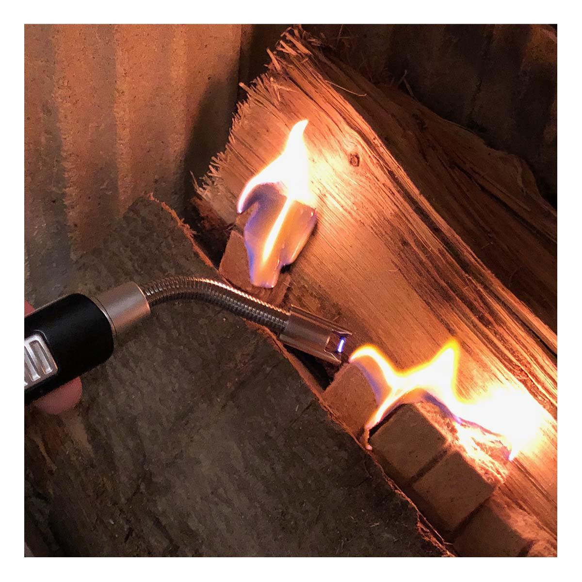 98-1118-01-elektronisches-lichtbogen-stabfeuerzeug-mit-flexiblem-hals-anwendung2-1200x1200px.jpg