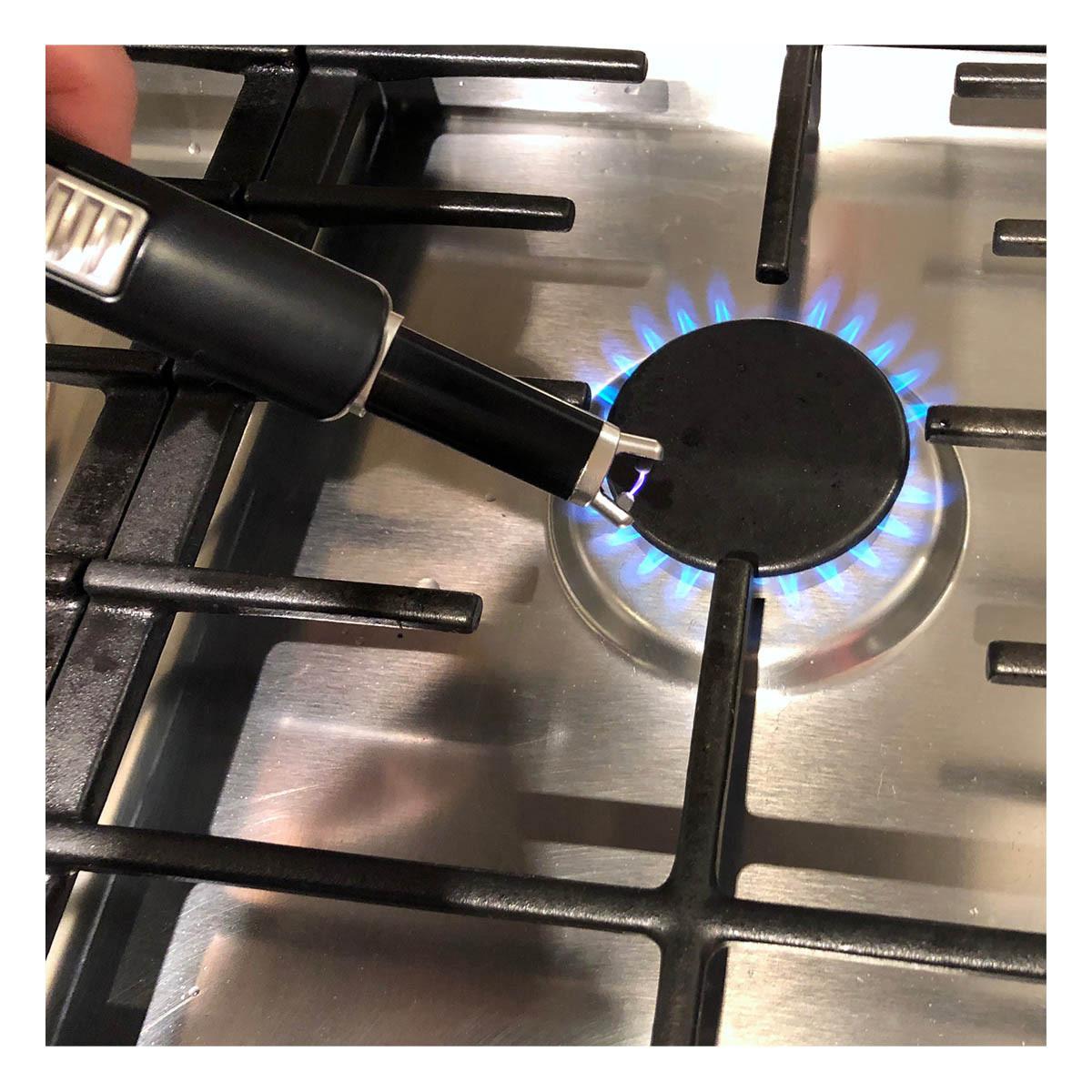 98-1119-01-elektronisches-lichtbogen-stabfeuerzeug-anwendung-1200x1200px.jpg