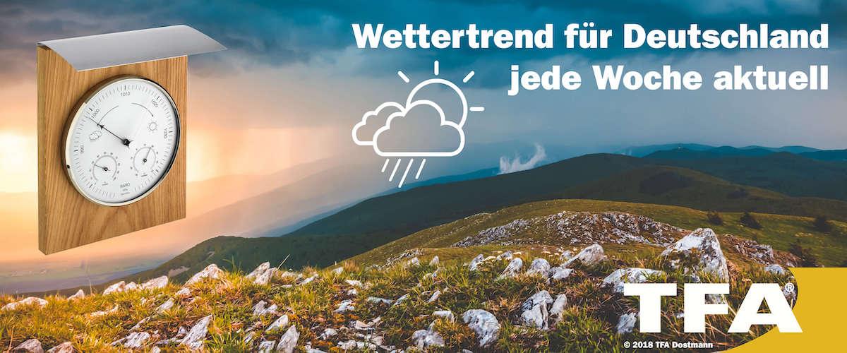 Gipfel eines Berges mit Aussicht auf Sonnenuntergang mit TFA Wetterstation zum Thema Wettertrend Deutschland