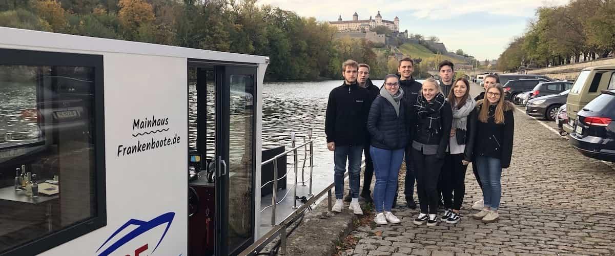 Das Escape-Boot in Würzburg mit den TFA Azubis.