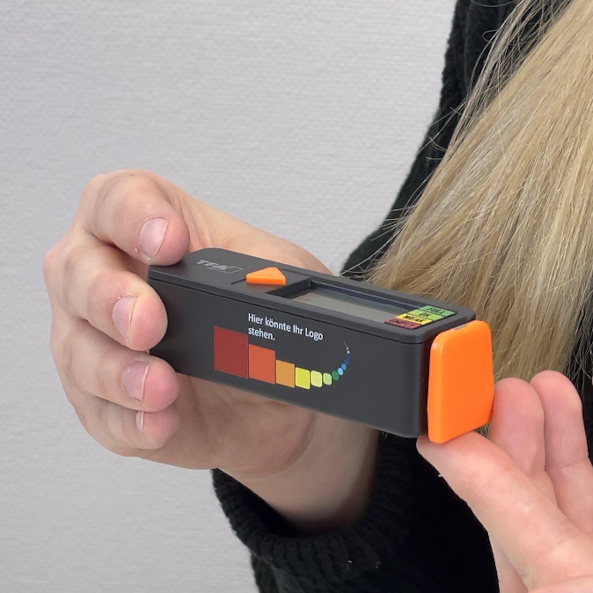 BatteryCheck Batterietester mit Logo.
