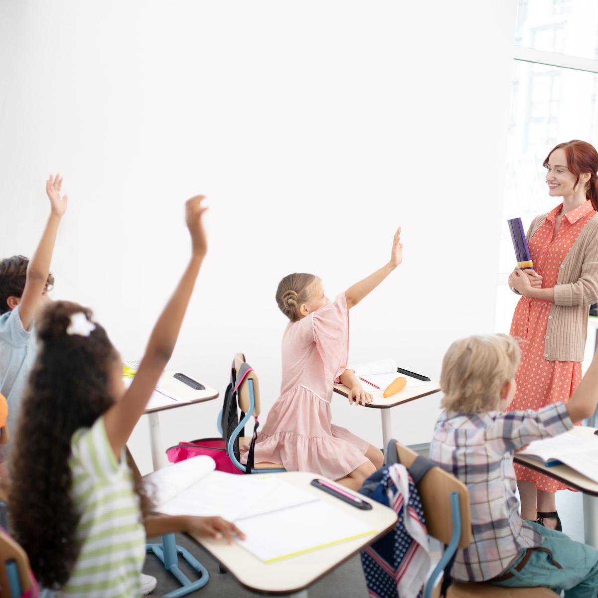 CO2-Messgeräte für Räume wie Klassenzimmer.