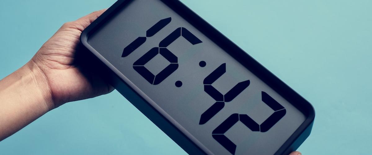TFA Uhren mit Mehrwert Smartphone Wecker