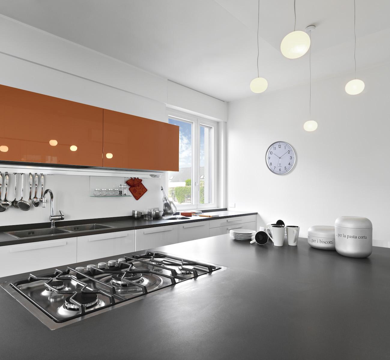 Küchenuhren mit Ziffernblatt.
